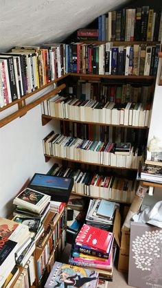 A book lovers problem/haven I Love Books, Books To Read, My Books, Dream Library, Library Books, Library Shelves, Applis Photo, Home Libraries, Coffee And Books