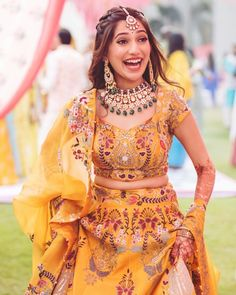 Indian Wedding Wear, Indian Bridal Outfits, Indian Bridal Fashion, Indian Designer Outfits, Bridal Dresses, Indian Wedding Jewelry, Mehendi Outfits, Bridal Lehenga Choli, Lehenga Dupatta