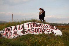 Mujeres protestan contra CFE en Huexca, Morelos. Foto: Eduardo Miranda