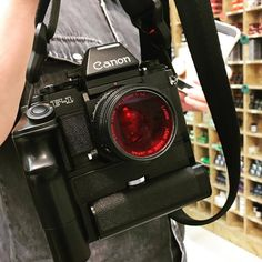 Caught up with this beautiful Canon at. Leica Camera, Camera Nikon, Camera Gear, Film Camera, Canon Cameras, Canon Lens, Gopro Photography, Landscape Photography, Portrait Photography