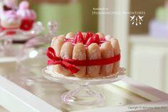 Strawberry Charlotte Cake 1/12 scale por HummingbirdMiniature