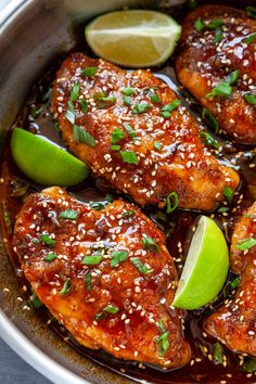 You're going to love these Honey Sriracha Chicken Breasts! Juicy ch… You're going to love these Honey Sriracha Chicken Breasts! Juicy chicken breasts in the most epic honey sriracha sauce. This sauce is liquid gold! Honey Sriracha Chicken, Sriracha Saus, Recipes With Sriracha Sauce, Sweet And Spicy Chicken, Chicken Tacos, Chicken Salad, Cooking Recipes, Healthy Recipes, Honey