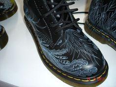 Photo Its Goin Down, Old Boots, Brick Lane, Urban Art, Dr. Martens, Custom Design, Jun, Lace, Sneakers