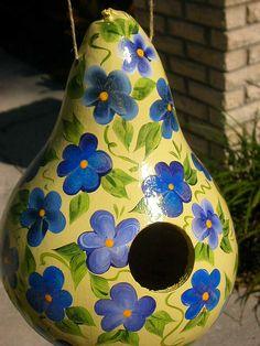 Gourd Bird Houses | Yellow/blue Gourd Birdhouse | Flickr - Photo Sharing!