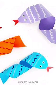 This Easy Paper Twirl Snake Craft is really fun, because you get to see it spring to life! Wrap around a pen and watch it form into a twirly, twisty snake. Animal Crafts For Kids, Summer Crafts For Kids, Mothers Day Crafts For Kids, Craft Activities For Kids, Toddler Crafts, Art For Kids, Spring Kids Craft, Sea Animal Crafts, Craft Kits For Kids