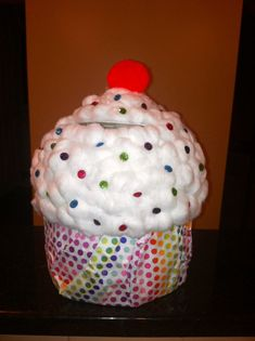 Cupcake Valentines Box  could use an ice cream bucket then a round bowl for the
