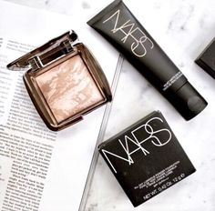 nars and hourglass ambient lighting powder