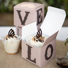 Rustic Love Cupcake Box by Beau-coup...