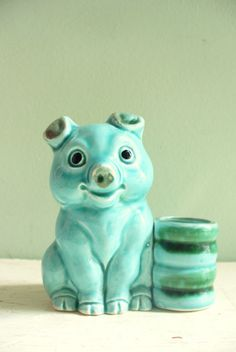 vintage pig figurine - adorable!