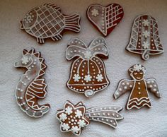 Perfect glaze to decorate the christmass gingerbreads Gingerbread Cookies, Christmas Cookies, Frosting, Icing, Czech Recipes, Cookie Cutters, Baking Soda, Cocoa, Christmas Decorations