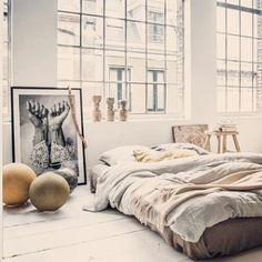 BB - bright bedroom.