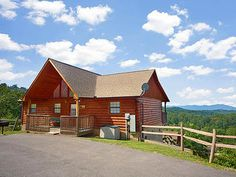 Pigeon Forge, TN: This cabin is ideally located on the Hidden Springs Resort, just 5 minutes from Dollywood and Pigeon Forge & less than 15 minutes to Gatlinburg! Enjoy...