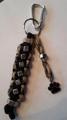 Schlüsselanhänger  mit Namen Ihr Designt von ParacordFamilyandPet