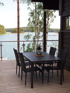 Hirsimökki Turun saaristossa – Kotilo Outdoor Tables, Outdoor Spaces, Outdoor Decor, Taste Of Nature, Lake Life, Black House, Beach Cottages, Log Homes, Outdoor Furniture Sets