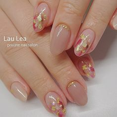 The enthusiasm of the summer is here, it's time to shine the nails! In the sun, the fingertips emit fascinating light, and the personality is… Solid Color Nails, Nail Colors, Rose Gold Nails, Pink Nails, Acrylic Nails, Gel Nails, Stiletto Nails, Coffin Nails, Bridal Nails