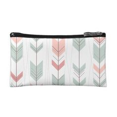 Colorful Arrows Pattern Wristlets and Clutches
