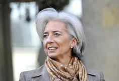 L'age Moyen: It takes a woman in grey