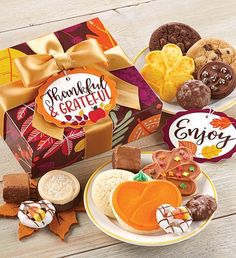 This fall, send a cookie gift to all of your friends. Cheryl's fall-themed cookies and treats are the sweetest way to send a message during the autumn season. Fall Decorated Cookies, Fall Cookies, Cut Out Cookies, Cookie Frosting, Buttercream Frosting, Cookie Packaging, Fall Gifts, Perfect Cookie, Cookie Gifts