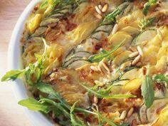 Kartoffelgratin mit Zucchini und Rucola - smarter - Zeit: 20 Min. | eatsmarter.de Habt Ihr schon mal Kartoffelgratin mit Zucchini und Rucola probiert?