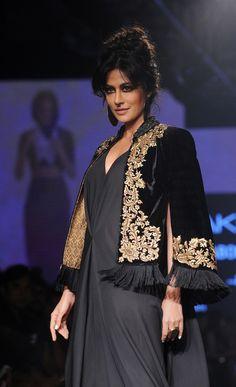 Lakme india fashion week - Chitrangada Singh Pakistani Dresses, Indian Dresses, Indian Outfits, India Fashion Week, Lakme Fashion Week, Traditional Fashion, Traditional Dresses, Ethnic Fashion, Asian Fashion