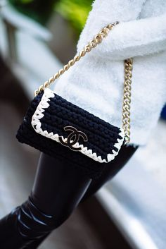 #StreetStyle details: CHANEL bag