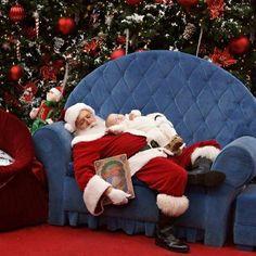 Mall Santa Improvises with Funny Photo of Sleeping Baby