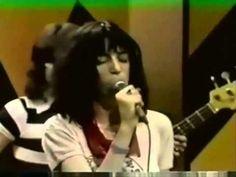 ▶ Patti Smith - Free Money - 1977 - Mike Douglas Show - YouTube