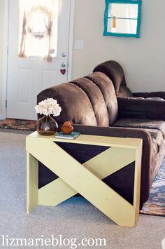 DIY 5 Board End Table Hobby Creativi Hobby fai da te fai da te casa 🛠 Pallet End Tables, Diy End Tables, Diy Table, Unique Home Decor, Home Decor Items, Diy Home Decor, Diy Pallet Projects, Home Projects, Pallet Ideas