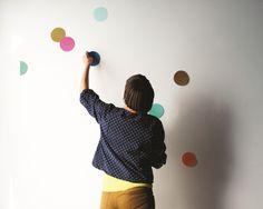 make yourself a confetti wall!!!