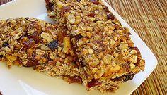 Gosta de um lanche saudável? Não dispensa um snack nos intervalos das refeições? Experimente a nossa receita de #Barras_de_Cereais_Caseira #receitas #saudável #caseira #snack