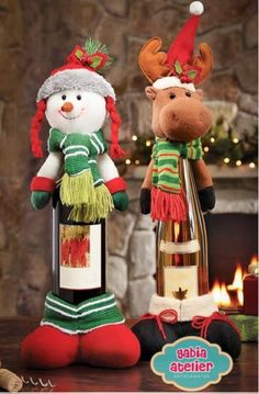 18 Clever Christmas Hacks That Will Make Your Life Easier Christmas Hacks, Christmas Wood, Christmas Snowman, Christmas Time, Christmas Ornaments, Holiday, Christmas Crafts, Christmas Decorations, Wine Bottle Covers