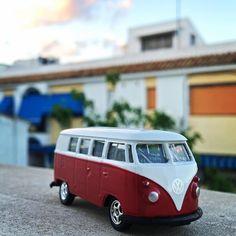 #volkswagen #volkswagenvan #miniaturas #juguetes #coleccionmarca #diecast #diecastcars #w #super7 #scalemodels #twitter