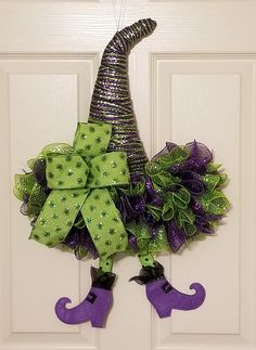 Get ready to throw the most wickedly fun Halloween party ever! Were sharing the best Halloween party ideas with you right here from spellbinding cocktails to spooktacular recipes and of course the main event: hauntingly creative decor! Halloween Mesh Wreaths, Easy Halloween Decorations, Fall Door Decorations, Diy Party Decorations, Halloween Party Decor, Halloween Crafts, Halloween Witch Wreath, Halloween Witches, School Decorations