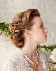 A gorgeous vintage inspired wedding hairstyle!