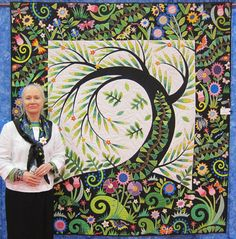 Jane Sassaman and her Willow Quilt amazingly beautiful quilt, incredibly gifted teacher. by johnnie Fabric Art, Fabric Design, Quilt Design, Quilt Modernen, Tree Quilt, Contemporary Quilts, Quilting Designs, Quilting Ideas, Art Quilting