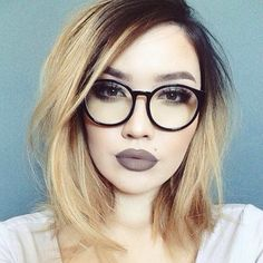 I love this look of gray wash on lips.