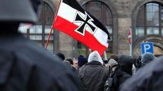 Fremdenhass im Zug: Deutscher verprügelt jungen Afghanen - n-tv.de