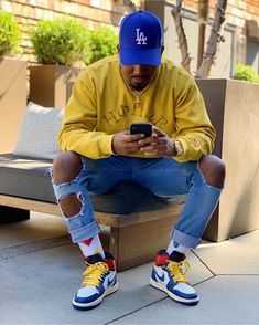 not the hat//; Dope Outfits For Guys, Swag Outfits Men, Stylish Mens Outfits, Trendy Mens Fashion, Black Men Street Fashion, Black Men Summer Fashion, Kleidung Design, Herren Outfit, Mode Streetwear