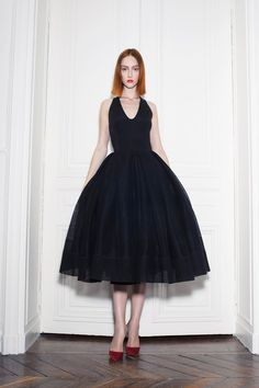LBD ♥   Martin Grant does simple,killerchic with an undercurrent of all things françaisso well.