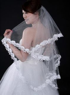 Fabulous Fingertip Wedding Bridal Veils with Lace Flowery Edge