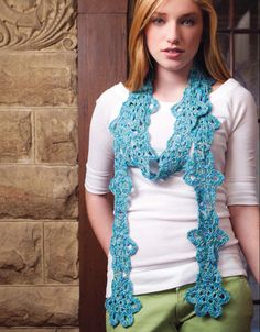 Flower-chain scarf.  Shari White.  Crochet scarf.  8ply 228m/ 100g x 1.  Crochet! April 2015.  Quick & Easy Crochet Accessories.  Newsstand.