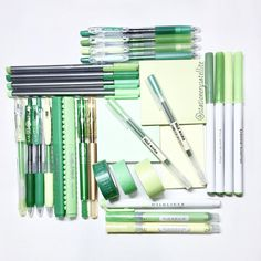 Stationery art; green flat lay! Pilot juice, maica, staedtler, muji, washi tapes, crayola supertips, zebra kirarich, highlighter, mildliner, post it, artline stix, brush pen, stationery addict. Instagram: Deniz @stationerysatellite