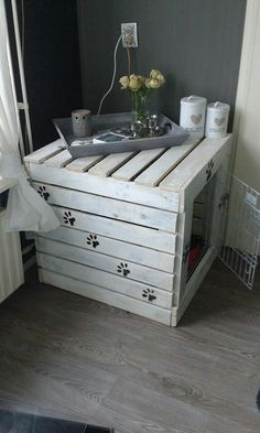 Hond Dog House Bed, House Beds, Pond Animals, Dog Cages, Indoor Rabbit, Rabbit Hutches, Cat Crafts, Crate Table, Crate Furniture