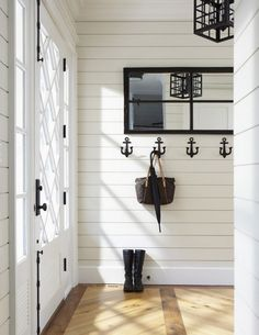 Beach House Decorating. Nautical Inspired Room. Nautical Decor. Entry Way Inspiration. | Chelsea Lane & Co.