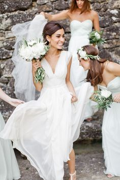 Dream Wedding Dresses From stunning to elegant Creatively exquisite inspirations to organize a tremendous simple elegant wedding dress . Fantabulous Wedding gown suggestions imagined on this creative date 20181203 , Wedding gown reference 3327203455 Provence Wedding, White Bridesmaid Dresses, Green Bridesmaids, The Dress, Wedding Styles, Wedding Gowns, Civil Wedding, 2017 Wedding, Bridal Gowns