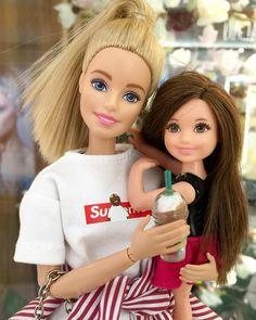 """Haylie friends 🌸🌺🌸🌺 on Instagram: """"👸🏼👧🏽 . . 🌸🌺🌸🌺🌸🌺🌸🌺🌸 Facebook : Haylie Friends YouTube : Haylie Friends #barbie #barbiegirl #barbiedoll #barbiedolls #barbiemattel…"""" Barbie Happy Family, Friends Youtube, Barbie Fashionista, Barbie Dream, Barbie Accessories, Barbie World, Barbie Friends, Barbie Clothes, Cute Drawings"""