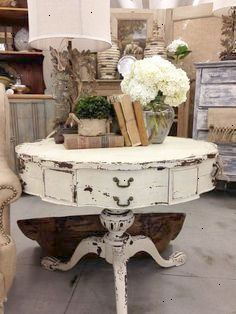 Vintage Furniture 100 Awesome DIY Shabby Chic Furniture Makeover Ideas ⋆ Crafts and DIY Ideas - 100 Awesome DIY Shabby Chic Furniture Makeover Ideas - Crafts and DIY Ideas Casas Shabby Chic, Shabby Chic Mode, Style Shabby Chic, Shabby Chic Vintage, Shabby Chic Bedrooms, Shabby Chic Decor, Shabby Chic Coffee Table, Shabby Chic Salon, Country Bedrooms