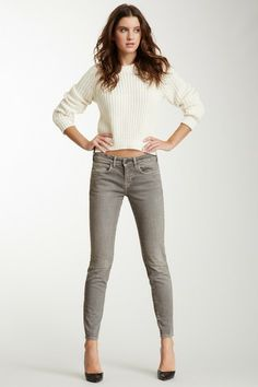 Those long legs..... (Because when I wore something like this, I didnt look like her lol)