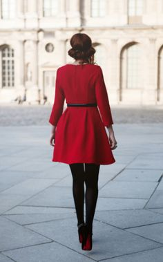 Louboutins and the perfect crimson coat. Hawt!!