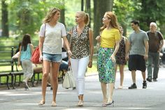 Cameron Diaz Photos Photos - Kate Upton, Leslie Mann and Cameron Diaz set out in Central Park to film scenes for 'The Other Woman' in New York. - 'The Other Woman' Films in Central Park